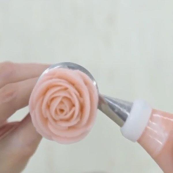新手最容易學會的擠花基礎手勢【玫瑰擠花】