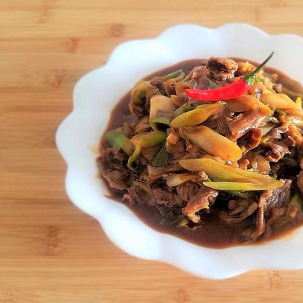 【飪意 Yummie】快手家常菜~京蔥炒牛肉