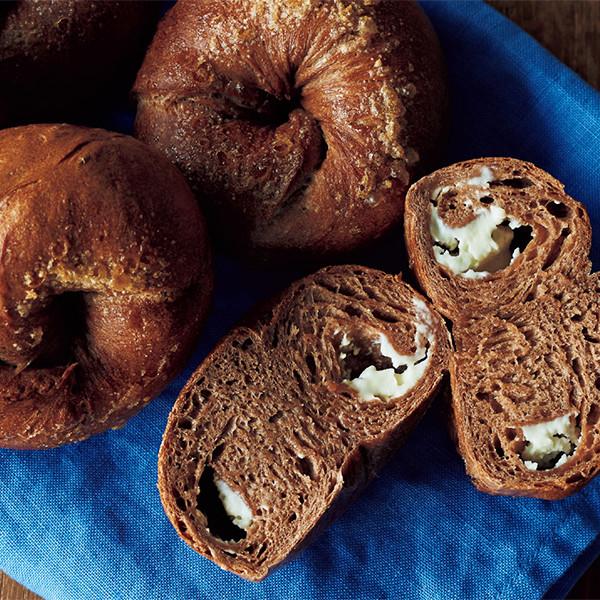 揉麵團只需3分鐘,在家做《可可奶油乳酪貝果》