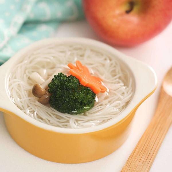 【副食品教學】1歲以上寶寶吃麵囉!蔬菜雞湯麵線