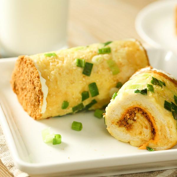 懶人也能吃超豐盛早餐!【香蔥肉鬆土司卷】