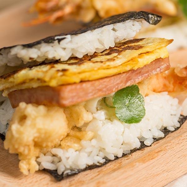 爆料美味一手掌握~【沖繩那霸蝦天婦羅蛋飯糰】