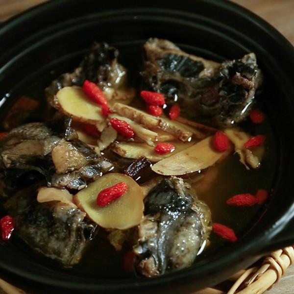 溫補暖心雞湯~電鍋做【藥燉燒酒雞】
