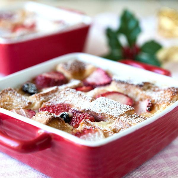 聖誕夜的傳統──聖誕草莓麵包布丁