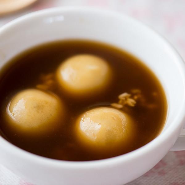 超好喝甜湯配方~【黑糖酒釀芝麻湯圓】