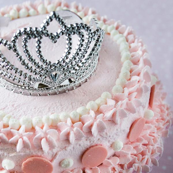 咪咪5歲夢幻生日禮──公主皇冠蛋糕