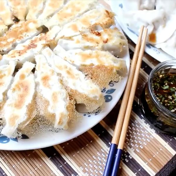 【莎莎的手作幸福料理】高麗菜豬肉餃子