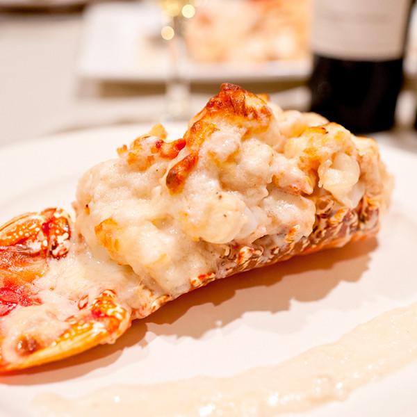 大海的奢華美味──白酒奶汁焗龍蝦