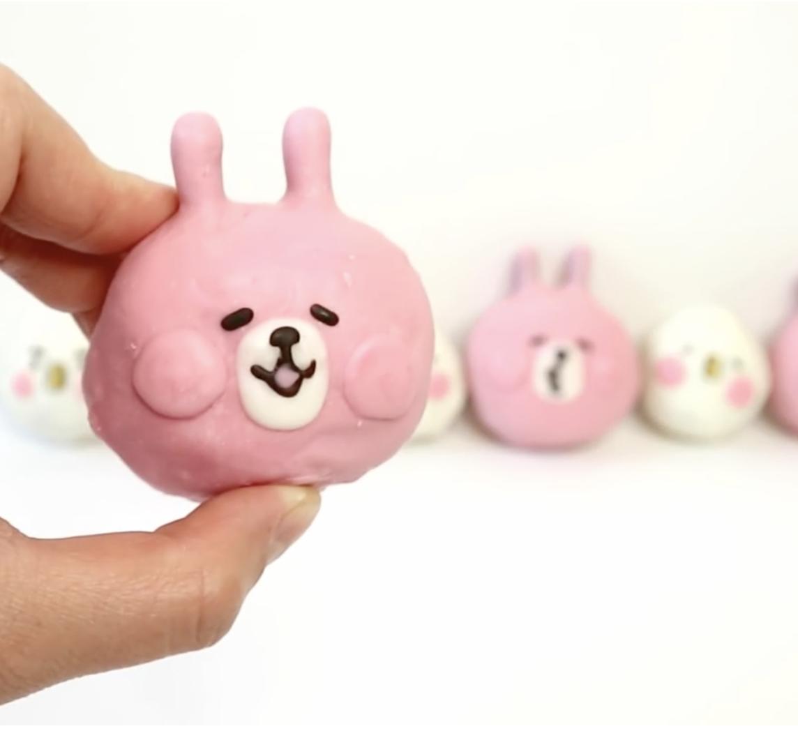 【Two Bites】卡娜赫拉療癒系~P助與兔兔蛋糕