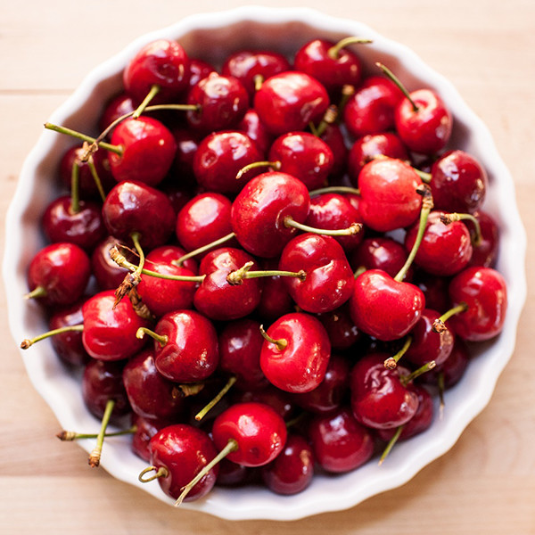 懶人福音 吃櫻桃不用再吐籽囉!【1秒鐘去櫻桃籽】