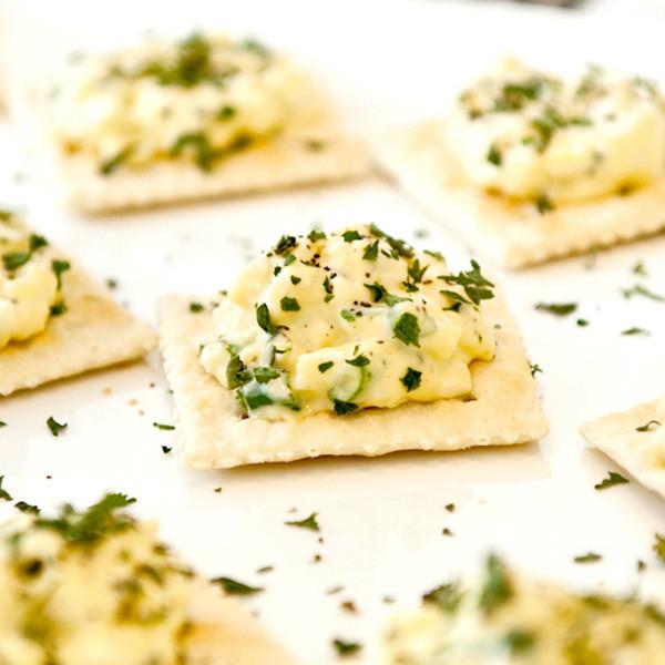 Sunday Brunch──乳酪蛋沙拉脆餅