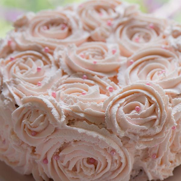 咪咪六歲生日蛋糕──玫瑰棉花蛋糕