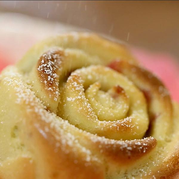 超簡單!優雅又可愛的小蛋糕 【櫻桃玫瑰蛋糕】