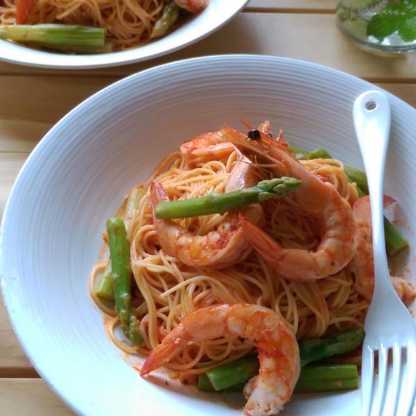 十分鐘幸福美味~粉紅醬鮮蝦蘆筍天使麵
