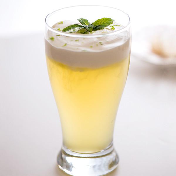 乳霜濃稠好滋味─海鹽奶蓋冰綠茶