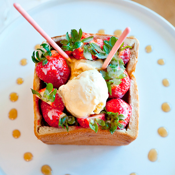 超人氣貴婦下午茶──夢幻草莓蜜糖吐司