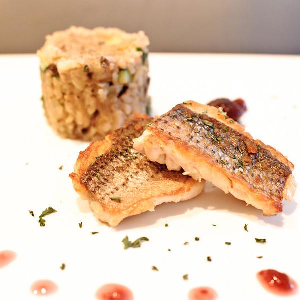 超簡單──白酒香煎鱸魚佐蔓越莓醬汁