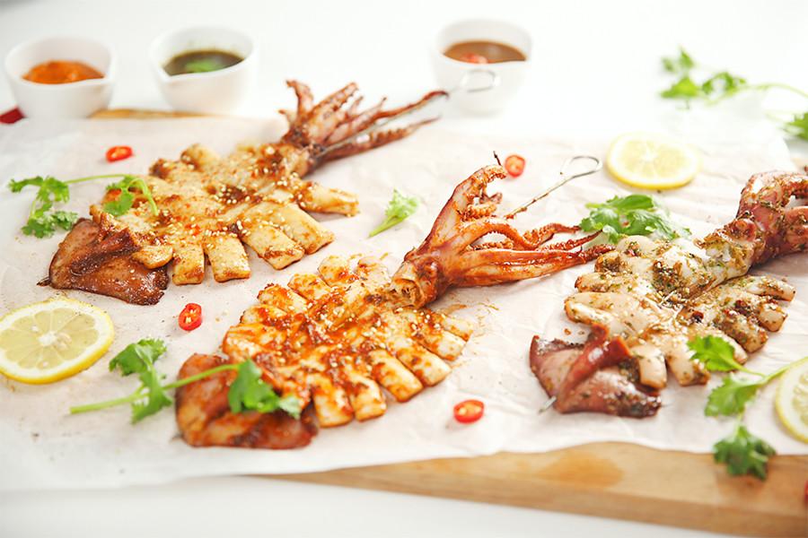 燒烤,煎烤盤,魷魚,料理小吃,醬料