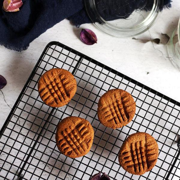 【桶子葉の吐司記 】6 種食材就搞定~全素花生餅乾