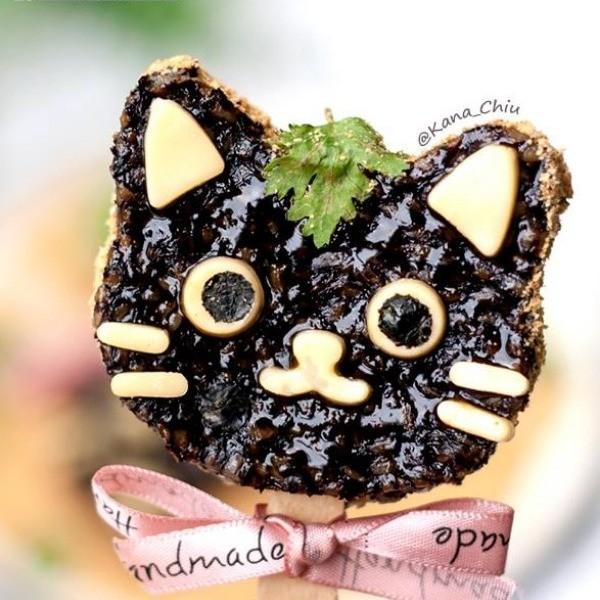 【Kanaの烘焙小廚房】夜市小吃也能這麼萌~黑貓豬血糕