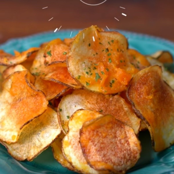 【點Cook Guide】自製吮指零食~鹹蛋黃洋芋片