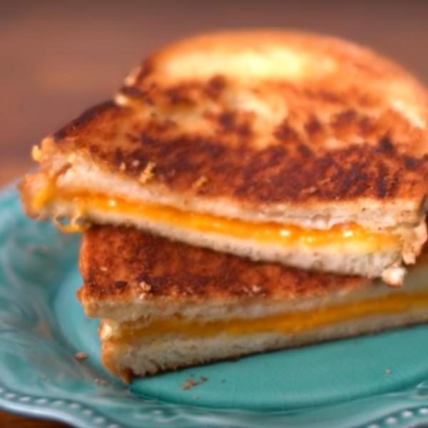 【點Cook Guide】天啊~太誘人啦!烤起司三明治