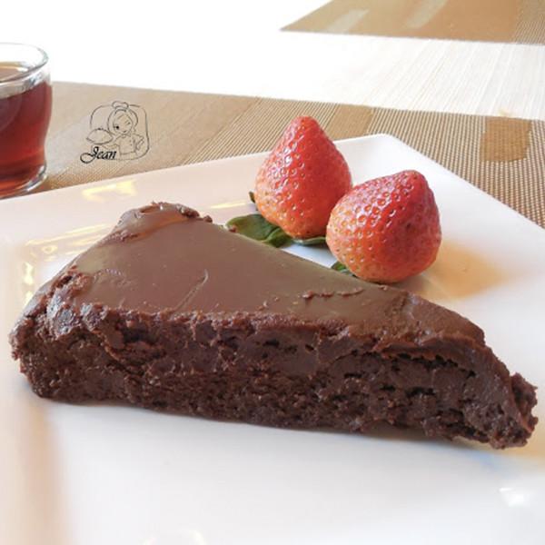 【靜姐上菜】無麵粉.超濃厚巧克力蛋糕(Bete Noire)