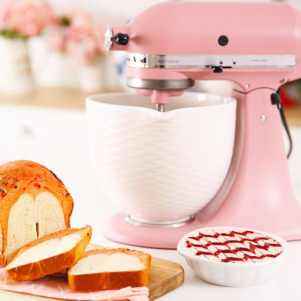 【美味生活 X Kitchen Aid】 100歲生日快樂!莓果牛奶蛋糕吐司X絲滑莓果大理石抹醬