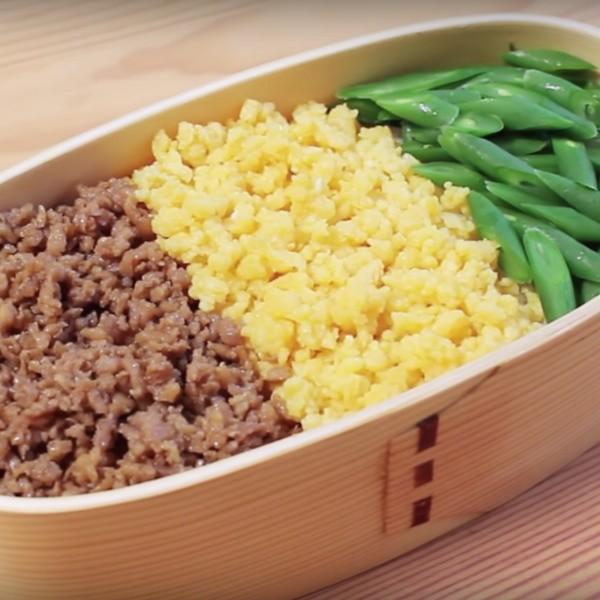 【Yao Lam】 日式經典便當~三色丼