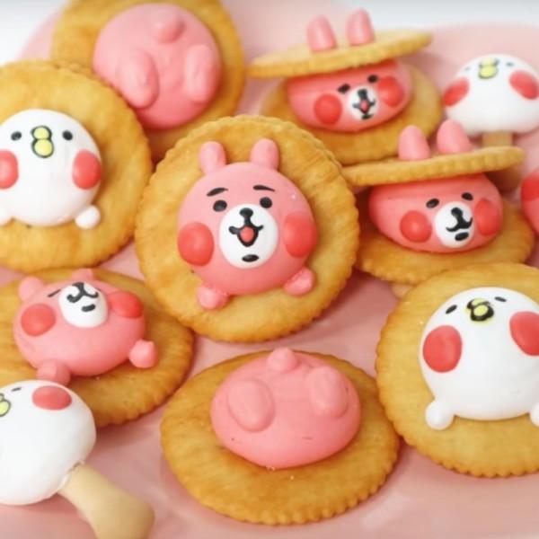 【Two Bites】卡娜赫拉兔兔與P助蛋白霜餅乾