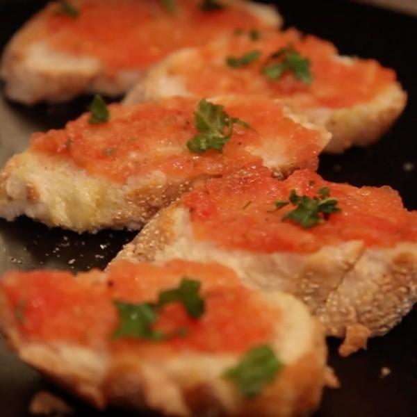 【胡說八道菜FoodyTraveller】西班牙風味蕃茄橄欖油吐司