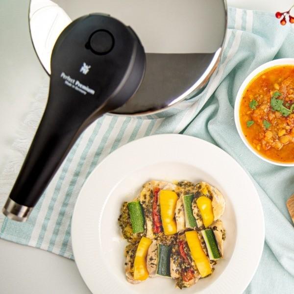 【地中海風雜豆蔬菜濃湯】、【雞胸鑲蔬菜】一鍋兩菜打造地中海餐桌