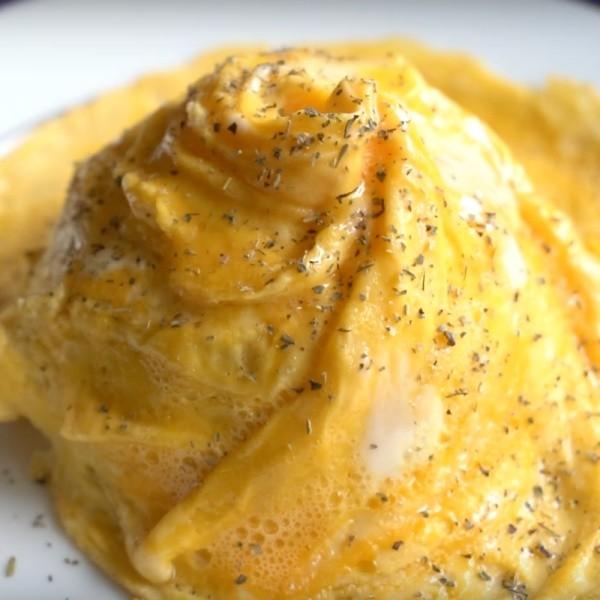 【EAT AT HOME 食·家】第一次就上手~日式扭紋旋轉蛋包飯