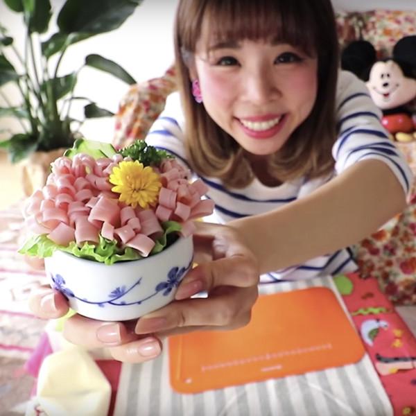 【上田太太】在便當裡開出繽紛花朵!日本媽媽密技火腿花花
