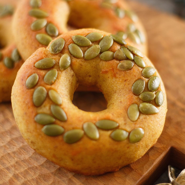 小烤箱也能做減醣麵包~口感十足的【堅果貝果】
