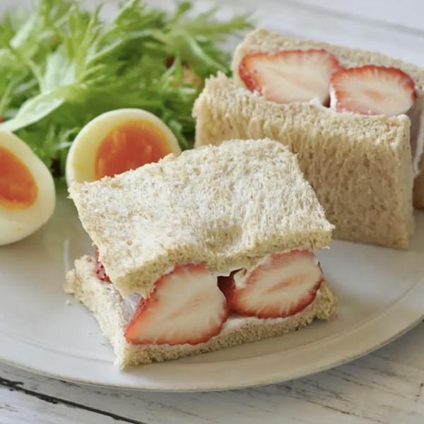 【饗瘦美味】草莓季定番甜點~草莓優格三明治