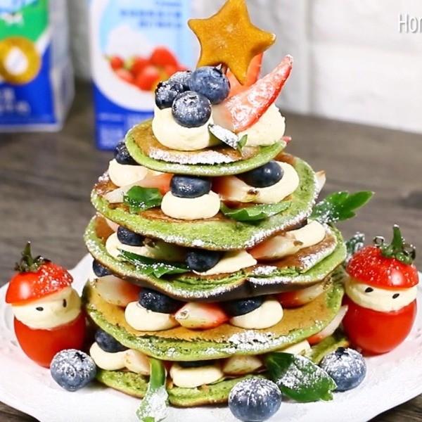 【Honney's Kitchen】免烤箱甜點這樣做~聖誕樹抹茶鬆餅蛋糕